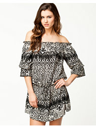 Notion 1.3 Off-shoulder 3/4 Dress
