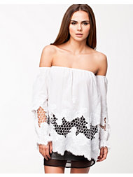 Notion 1.3 Off-Shoulder Tunic