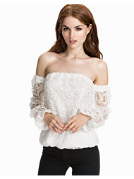 Notion 1.3 Off-Shoulder Heavy Lace