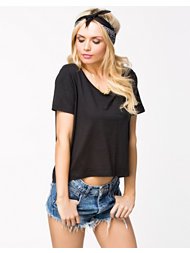 Noisy May Ann Cropped Top