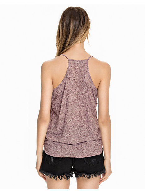 Discover women's t-shirts and vests with ASOS. Shop our latest collection of designer, oversized, going out and long sleeve t-shirts in your favourite colours. New Look rib twist top in burgundy. £ Nike Training Just Do It Crop T-Shirt In Burgundy. £ Reebok Training Racerback Tank In .