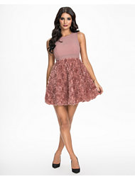 NLY Eve Floral Cut Dress