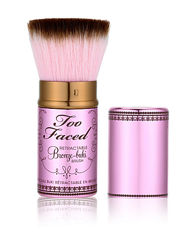 STYLING TOOLS & ACCESSORIES - TOO FACED / RETRACTABLE BRONZE-BUKI BRUSH - NELLY.COM