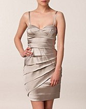 SATIN STRAPLESS TIRED DRESS