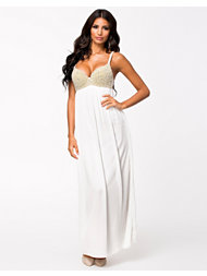 Te Amo Pearl Jewel Maxi Dress