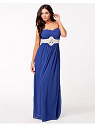 Te Amo Pleated Maxi Dress