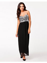 Te Amo Jewel Maxi Dress