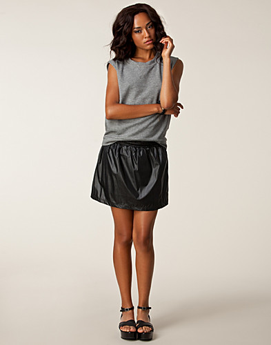 HAMEET - JEANE BLUSH / IRINA SKIRT - NELLY.COM