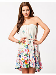 Jeane Blush Daria Print Dress