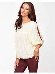 Jeane Blush Dani Lace Blouse