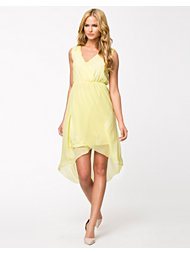 Jeane Blush Xena Dress