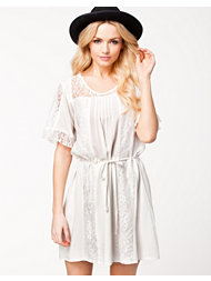 Jeane Blush Cathy Dress