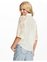 Jeane Blush Lace Sleeved Shirt