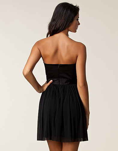 FESTKLÄNNINGAR - ELISE RYAN / BANDEAU DIAMANTE DRESS - NELLY.COM