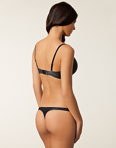 HELA SET - MARIE MEILI / ESSENCE BRA THONG SET - NELLY.COM