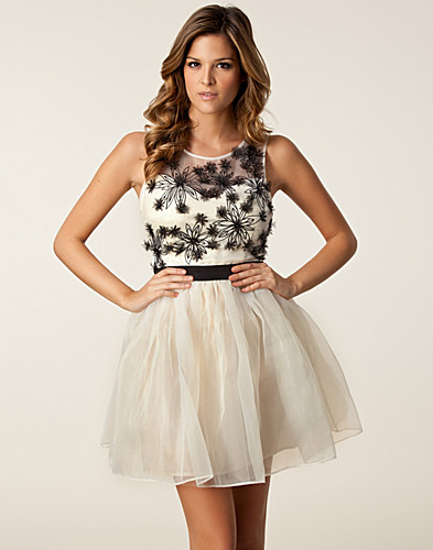 PARTY DRESSES - LIPSY / LASER CUT FLOWER DRESS - NELLY.COM