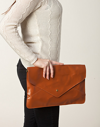 VÄSKOR - MI LAJKI / SIMPLY CLUTCH - NELLY.COM