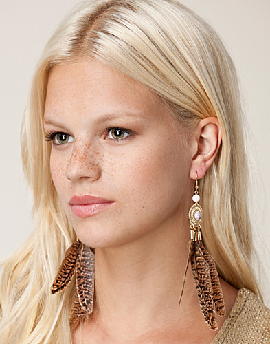 SMYCKEN - MI LAJKI / SARA FEATHER EARRING - NELLY.COM