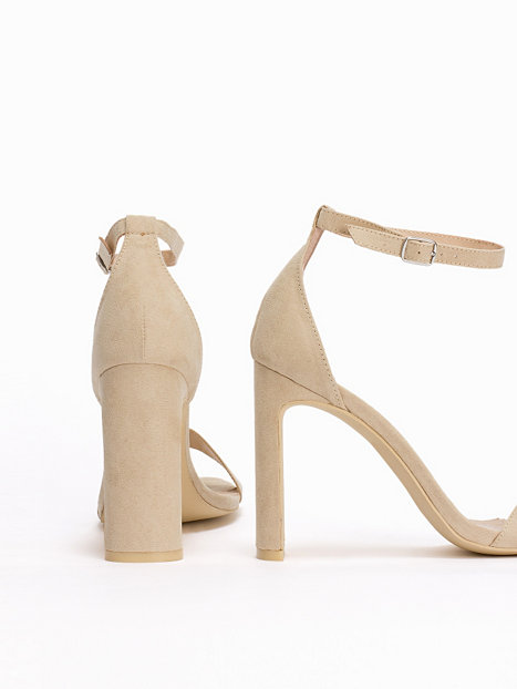 thin block heel sandal nly shoes beige partyschuhe. Black Bedroom Furniture Sets. Home Design Ideas