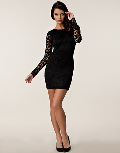 FESTKLÄNNINGAR - LILI LONDON / LACE LOW BACK DRESS - NELLY.COM