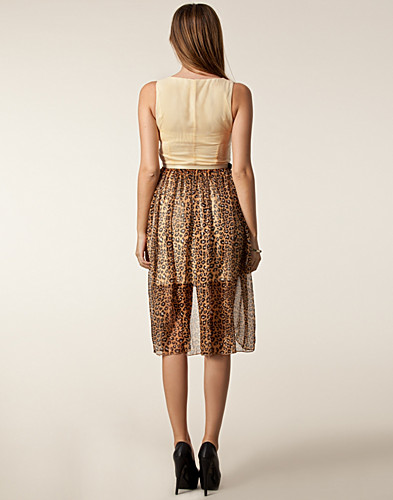 FESTKLÄNNINGAR - RARE LONDON / DIP HEM LEOPARD DRESS - NELLY.COM