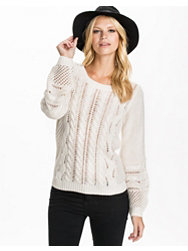 Vila Medium Knit Top