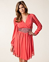 CHIFFON SLEEVE TRIM DRESS