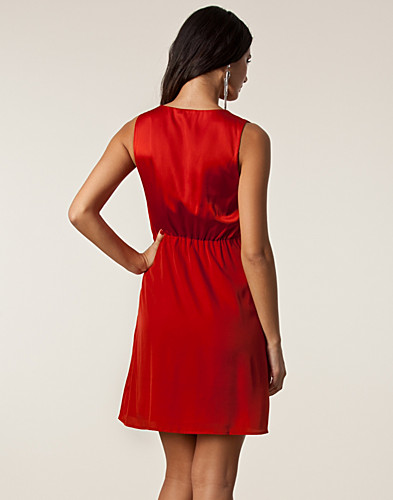 KLÄNNINGAR - RUT&CIRCLE / JELENA WRAP DRESS - NELLY.COM