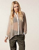 DAYA SHINY PLACKET BLOUSE