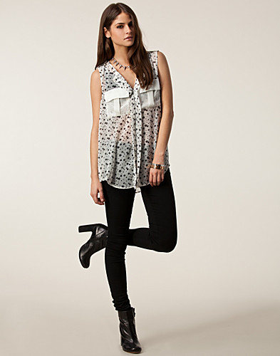 TOPPAR - RUT&CIRCLE / KARLA STAR TOP - NELLY.COM