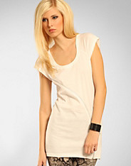 Serious Sally by Rut m.fl. - Britstown Zip Tee