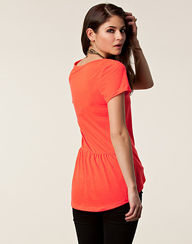 TOPS - SALLY&CIRCLE / ZOE KNOCK TEE - NELLY.COM