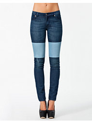 Rut&Circle Price Amy Patch Jeans