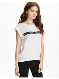 Sally&Circle Price Peg Text Tee