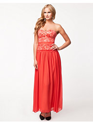 Elise Ryan Linda Lace Maxi Dress