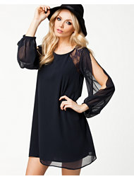 Elise Ryan L/S Lace Shift Dress