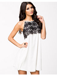 Elise Ryan Halter Eyelash Lace Shift Dress