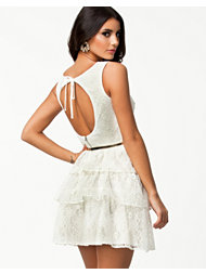 Elise Ryan Open Back Belted Dress
