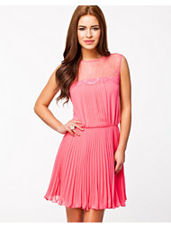 Elise Ryan Lace Pleated Dress