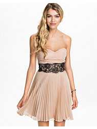 Elise Ryan Pleated Bandeau Eyelash Waistband Dress