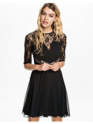 Elise Ryan 3/4 Sleeve V Lace Skater Dress