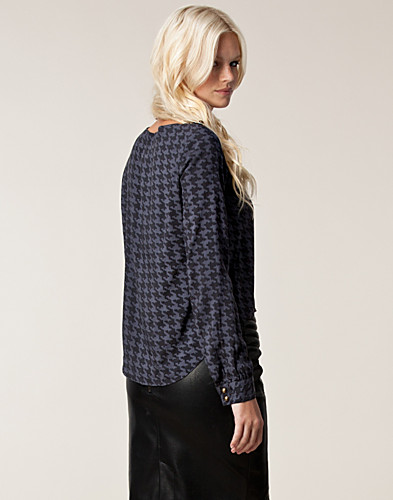 TOPPAR - ONLY / VALA L/S BOXY TOP - NELLY.COM