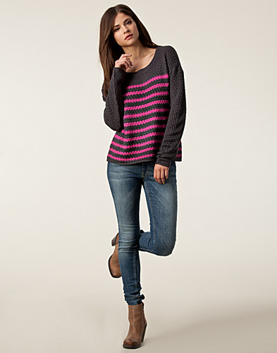JUMPERS & CARDIGANS - ONLY / MAJA PULLOVER - NELLY.COM