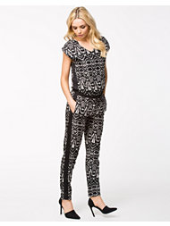 Only Aroma Piping Jumpsuit
