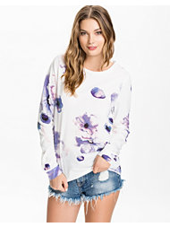 Only Leveri Flower Sweat Top