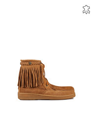 Minnetonka Sheepskin Tramper Boot
