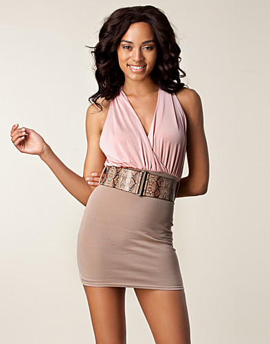 PARTY DRESSES - LILI LONDON / OPEN BACK SNAKE BELT DRESS - NELLY.COM
