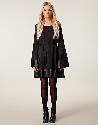 KLÄNNINGAR - BILLY AND I / CINDY DRESS - NELLY.COM