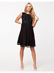 Frock and Frill Sleevless Beaded Dress