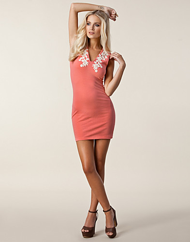 PARTY DRESSES - MOTEL / JULIE DRESS - NELLY.COM